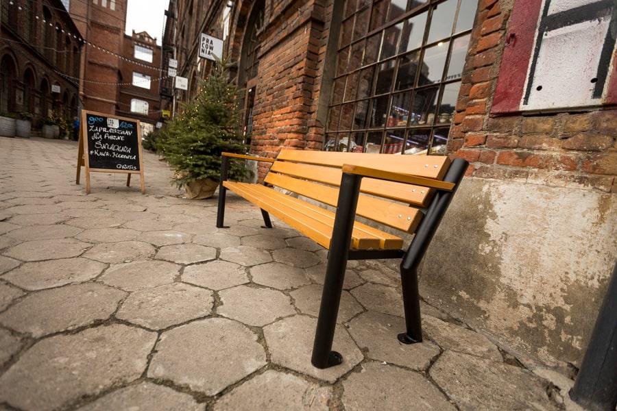 Ławka parkowa Gladiator Bis z podłokietnikiem drewnianym